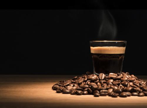 קפה שחור בונה קפה
