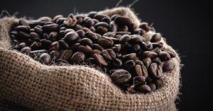 האם יש הבדל בין פולי קפה לקפסולות קפה?